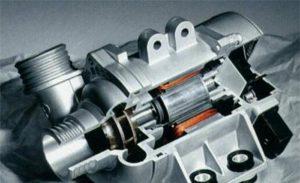 A bomba de água eletrônica da BMW tem muitas vantagens e pode economizar combustível